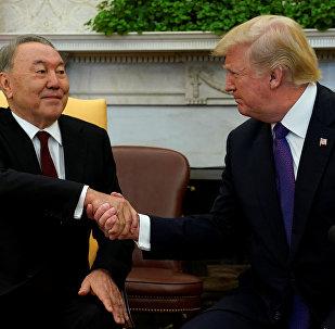 Президент США Дональд Трамп встретился с президентом Казахстана Нурсултаном Назарбаевым в Белом доме в Вашингтоне, США, 16 января 2018 года