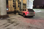 Porsche Cayenne у резиденции