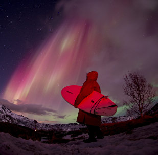 Северное сияние в небе, архивное фото