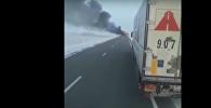 Огонь охватил пассажирский автобус - первые кадры из Актюбинской области
