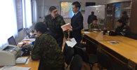 Звонят дипломаты разных стран - видео из оперативного штаба в Актобе