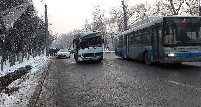 Крупное ДТП с пассажирским автобусом