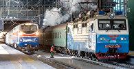 Поезд на вокзале Нурлы жол