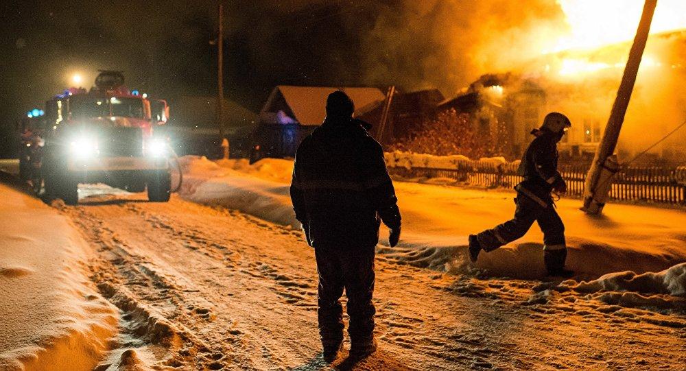 Пожар в частном доме, иллюстративное фото