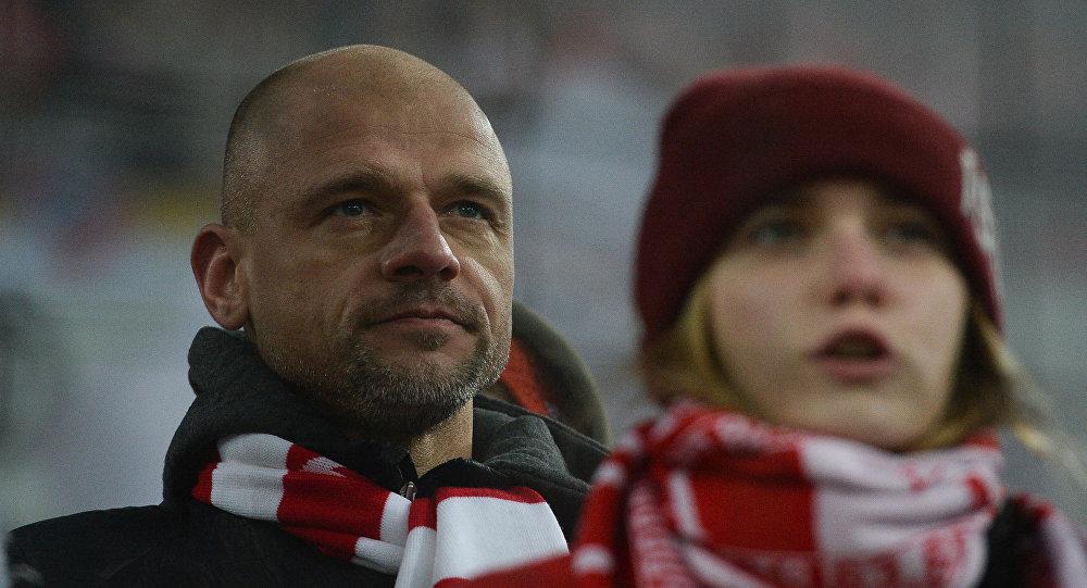 Бывший вратарь Спартака Войцех Ковалевски во время футбольного матча, архивное фото