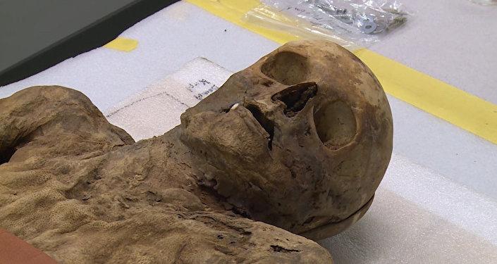В Швейцарии показали мумифицированного родственника Бориса Джонсона