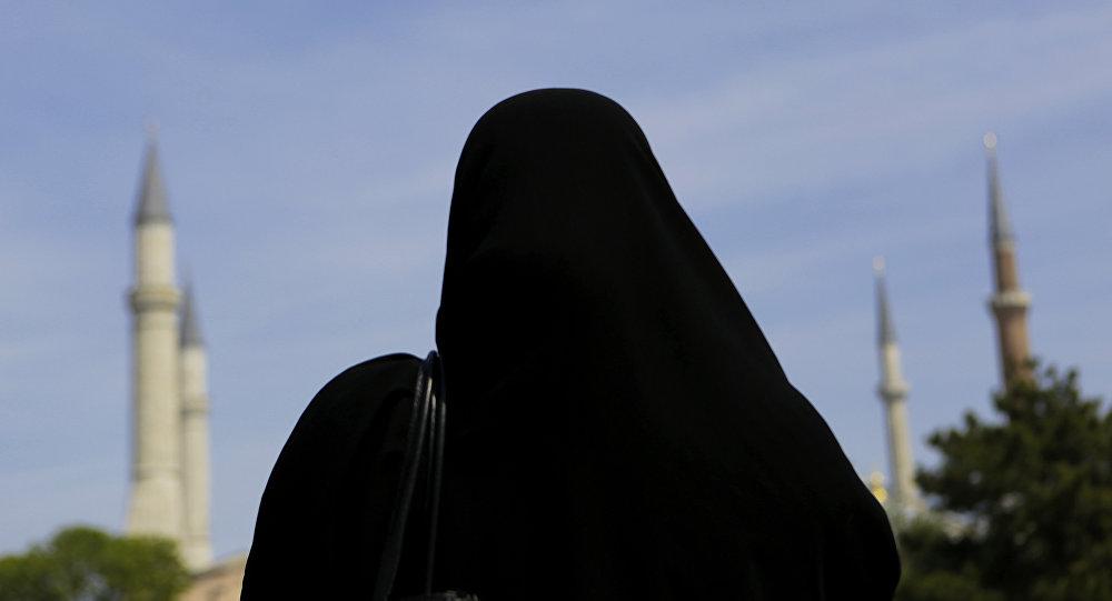 Хиджаб киген әйел