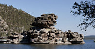 Скала Жумбактас, озеро Боровое