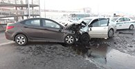 Алматыда Toyota Corolla мен Huyndai Accent бетпе-бет соқтығысты