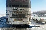Сломавшийся автобус на автодороге Павлодар-Кызылорда