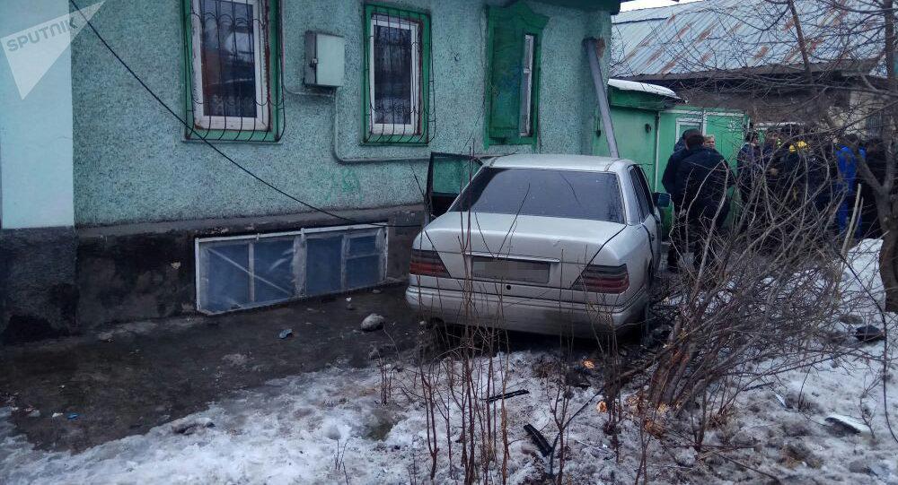 При столкновении автомобилей пострадали пять человек