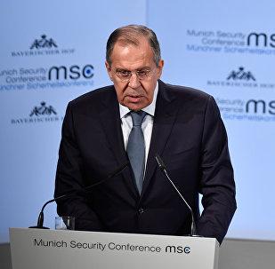 Министр иностранных дел России Сергей Лавров выступает на Мюнхенской конференции по безопасности