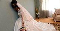 Невеста плачет, архивное фото