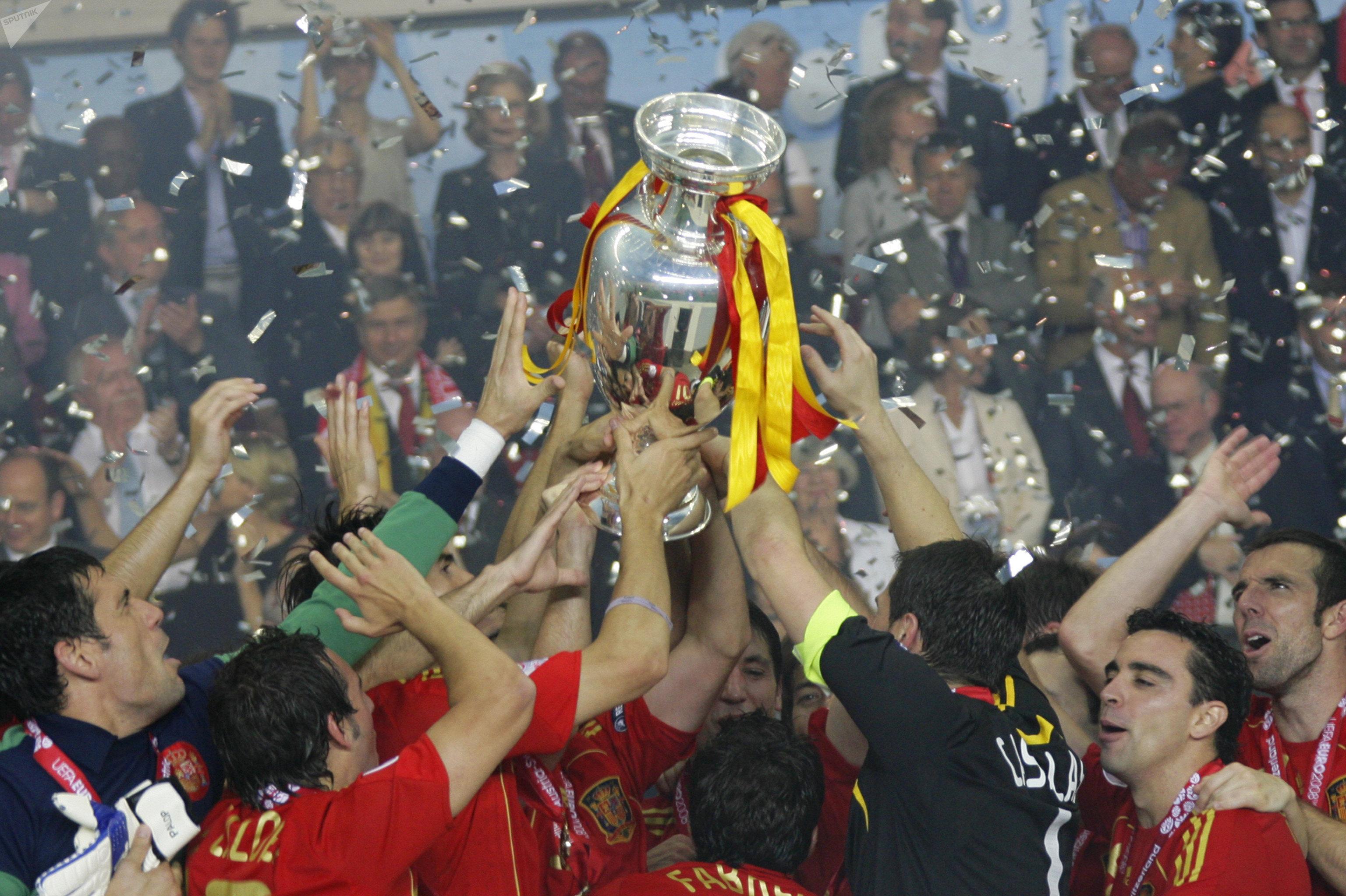 Сборная Испании – чемпион Европы. Финальный матч первенства Старого Света 2008 года закончился победой сборной Испании над национальной командой Германии со счетом 1:0