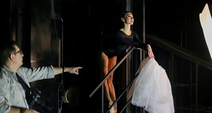 Фотограф Алексей Кривцов за работой в Astana Ballet
