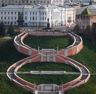Чкаловская лестница и памятник Валерию Чкалову в Нижнем Новгороде