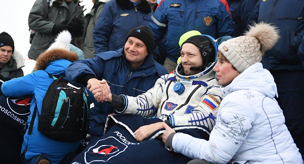 Посадка спускаемого аппарата ТПК СОЮЗ МС-06