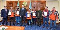 Астана әкімі Әсет Исекешев Nova City тұрғын үй кешеніндегі өрттен адамдарды құтқарған құрылысшыларды марапаттады