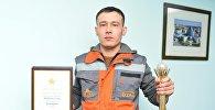 Аким Астаны Асет Исекешев наградил строителей, которые спасли несколько человек во время пожара в ЖК Nova City
