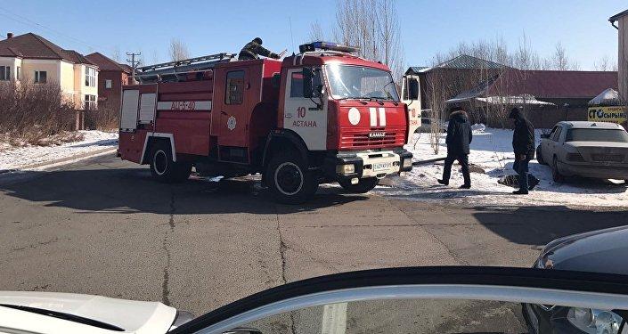 Крупный пожар в микрорайоне Юго-Восток в Астане