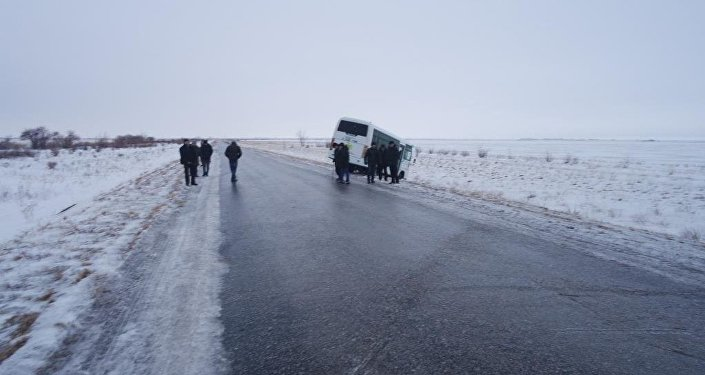 Автобус с 25 пассажирами съехал в кювет в Акмолинской области