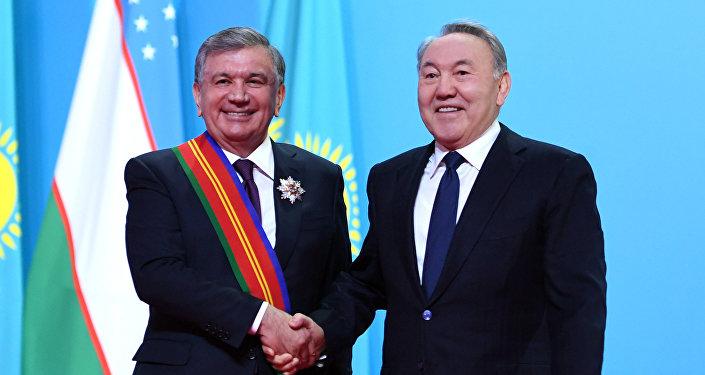 Нурсултан Назарбаев наградил Шавката Мирзиеева Орденом Достык