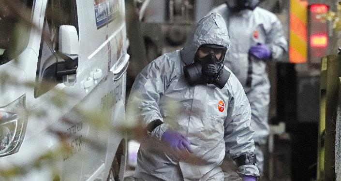 Военные работают на месте гибели Сергея Скрипаля