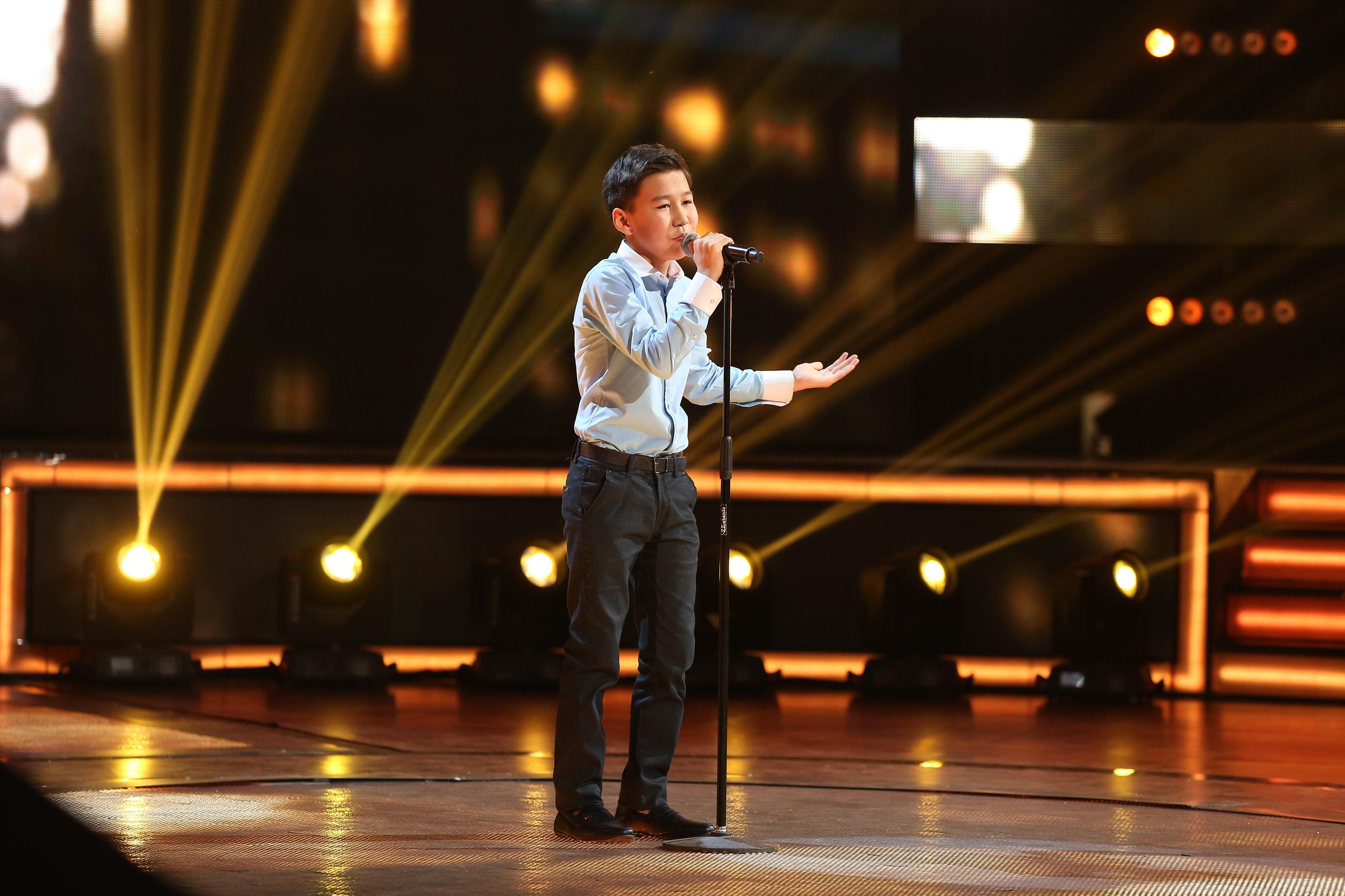Даулетхан Аханов во время выступления на конкурсе Ты супер!