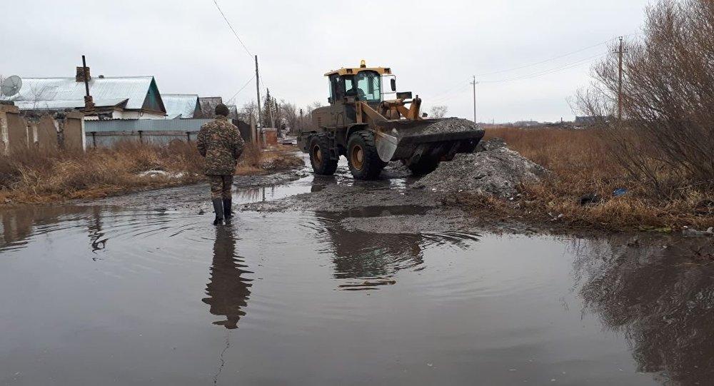 Тело мужчины найдено в паводковой воде в Карагандинской области