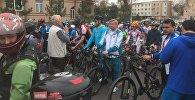 Посол Казахстана в Узбекистане Ерик Утембаев на велопробеге Ташкент - Шымкент
