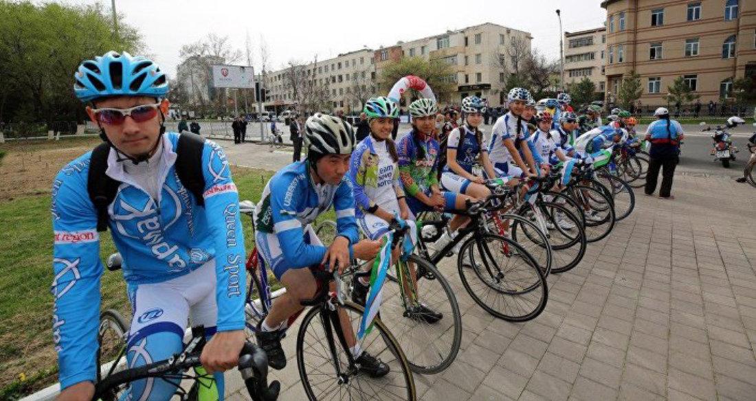 Участники велопробега Ташкент - Шымкент