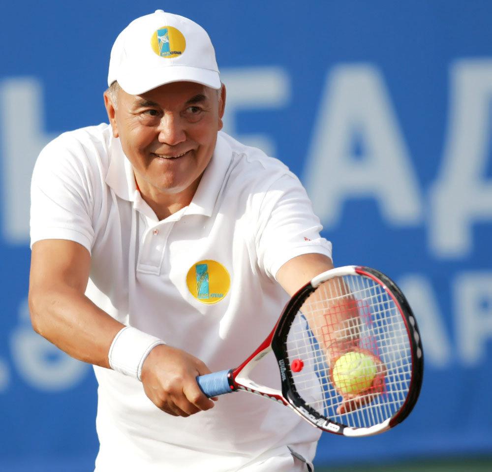 Глава государства личным примером активно пропагандирует здоровый образ жизни и занятия спортом