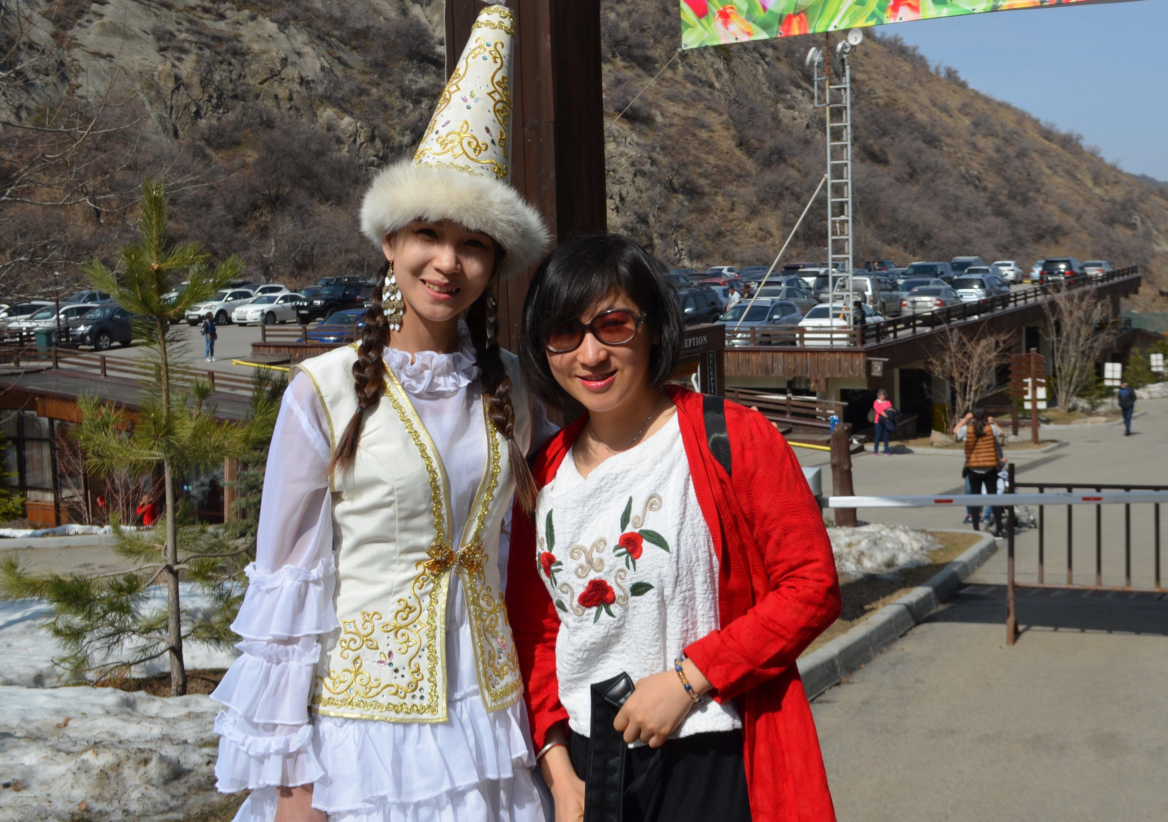 Поездка путешественников из Китая проходила в дни празднования Наурыза