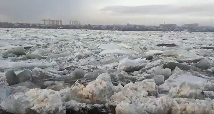 Ледоход на реке Иртыш, Семей