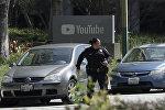 Полицейские на месте стрельбы возле штаб-квартиры Youtube