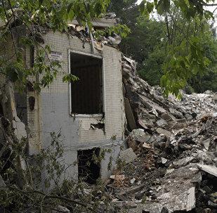 Снос жилого дома, архивное фото
