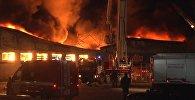 Крупный пожар в магазине игрушек в Тюмени