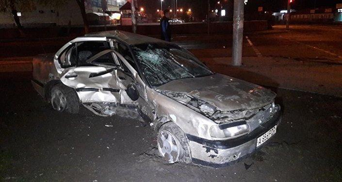 Nissan Primera столкнулся с Daihatsu на пересечении улиц Рыскулова и Жангильдина