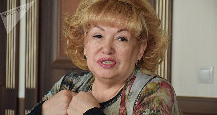 Гульнара Джандосова