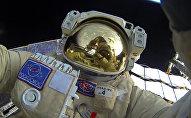 Выход в открытый космос российских космонавтов