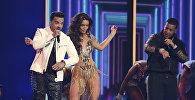 Луис Фонси исполняет песню Despocito во время ежегодной премии Grammy