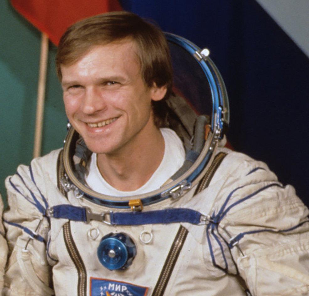 Сергей Авдеев - физик-ядерщик по образованию, кандидат физико-математических наук и один из самых интеллектуальных российских космонавтов. Архивное фото