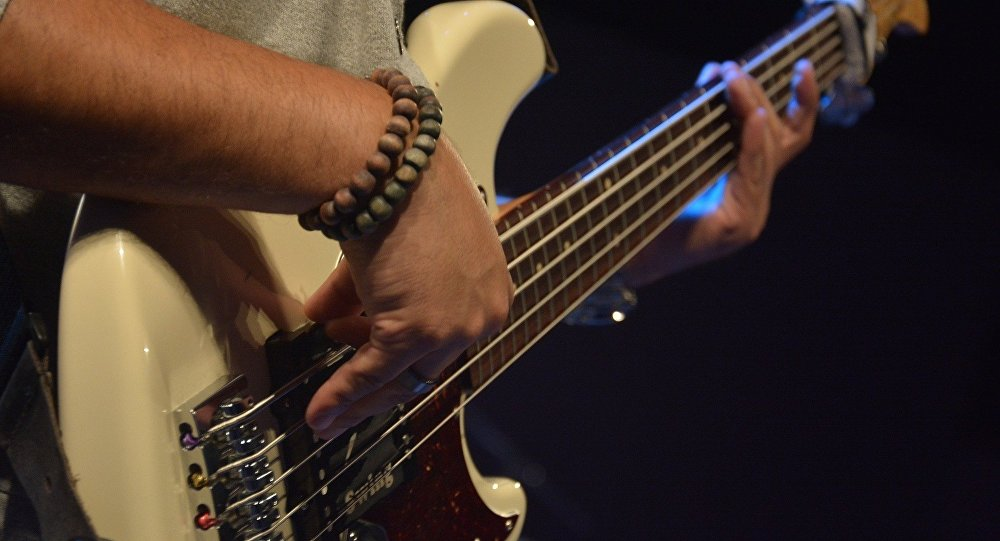 Гитара, архивтегі сурет