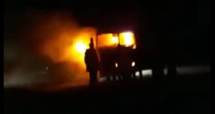 Автобус загорелся