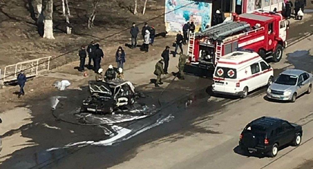 Автомобиль сгорел возле автобусной остановке в Костанае