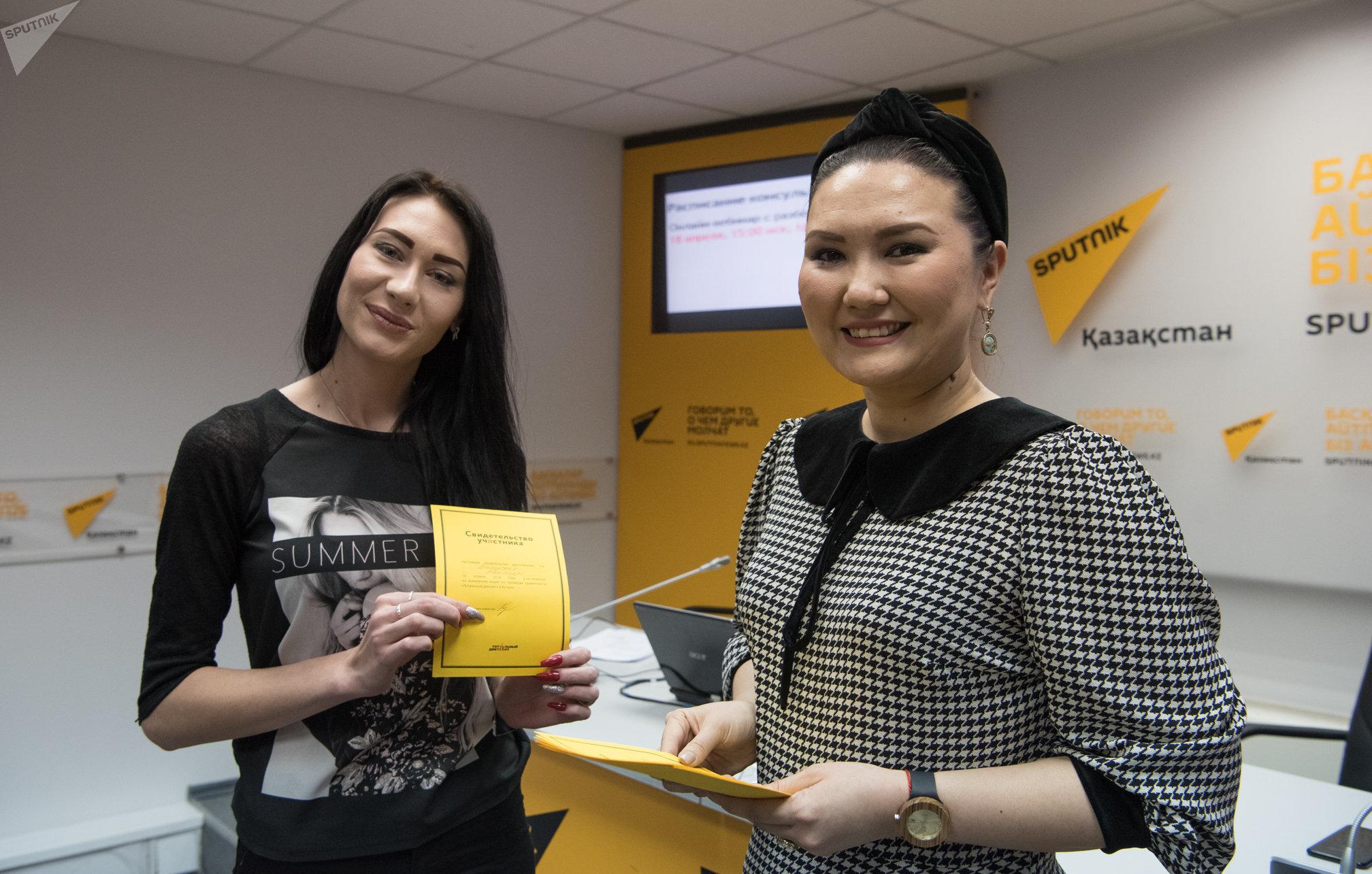 Диктатор Тотального диктанта на площадке Sputnik Казахстан Махаббат Есен