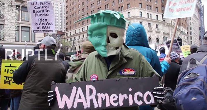 Протесты против ракетных ударов США по Сирии в Нью-Йорке
