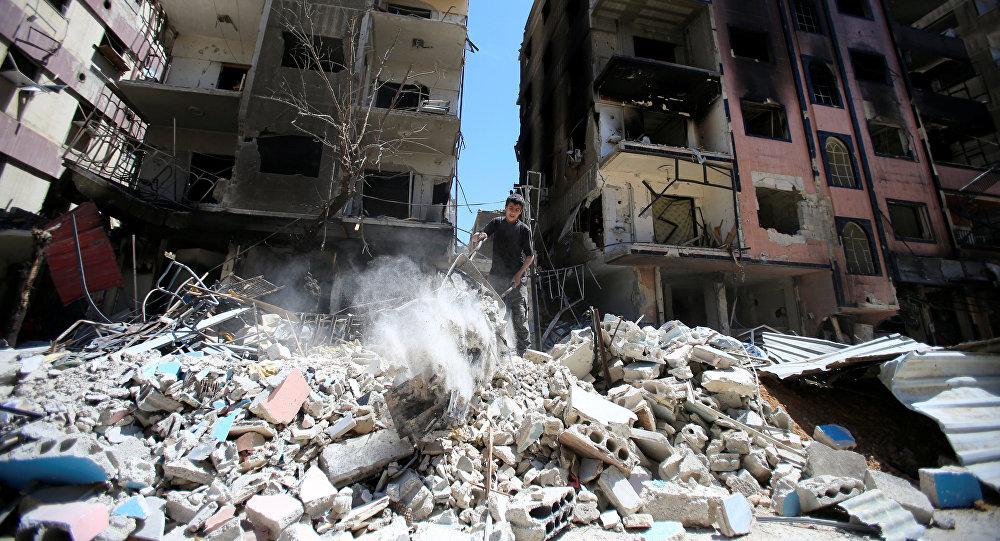 Разрушенные дома в сирийской Думе