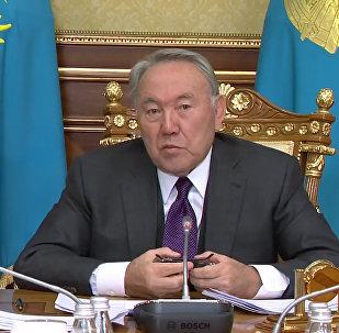 Прекратите давление на Нацбанк и министров – Назарбаев приструнил депутатов