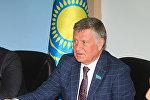 Депутат сената парламента Казахстана Владимир Волков